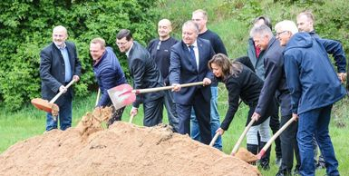 Groundbreaking ceremony for innovative office building